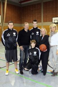 Dr. Fricke, Frau Jaschner invisalign, Dr. Ritschale mit den Juniorbaskets